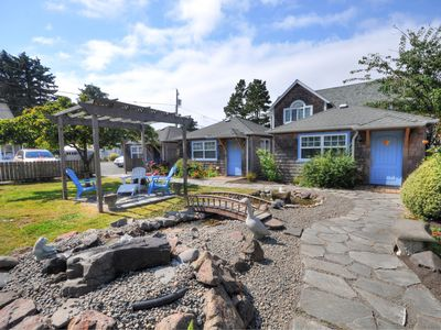 Photo for Adorable, airy, dog-friendly cottage close to beach & downtown!