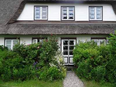 Photo for Holiday under thatch on the Baltic Sea; WiFi free, 3D Smart TV, fireplace, comfort shower ,.