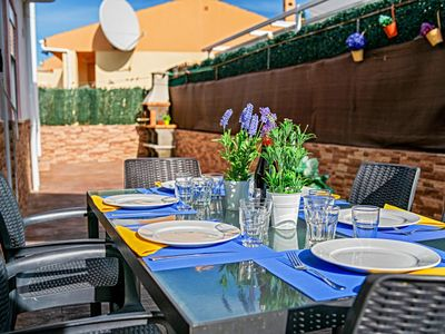 Photo for Family friendly holiday home in a popular area with private pool and