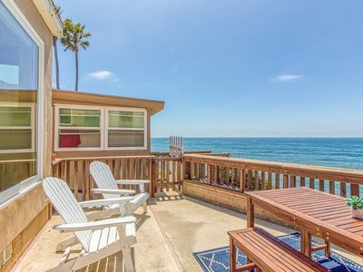 Photo for Oceanfront cottage with unobstructed views & deck - steps to the water!