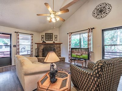 Photo for 3 Bears Cottage: Adorable 2 Bedroom in the Historic Upper Canyon!