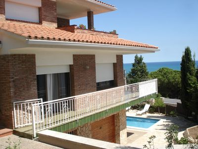 Photo for VILLA WITH POOL, CLOSE TO THE BEACH, AND FANTASTIC SEA VIEWS.