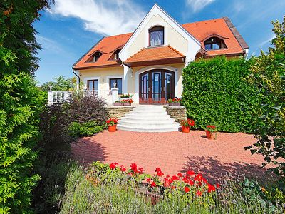 Photo for Vacation home Balaton038  in Balatonfured/Tihany, Lake Balaton - North Shore - 14 persons, 7 bedrooms