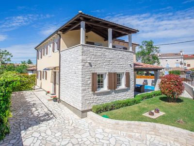 Photo for Villa Ena San Lorenzo with Fenced Yard in Sv. Lovrec