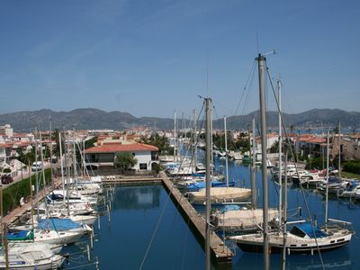 Photo for Apartment in Empuriabrava. 50 meters beach and trades.