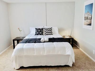 Photo for Private room in Shared House★ 5-min to CMH Airport★ Parking ★ Fast WiF