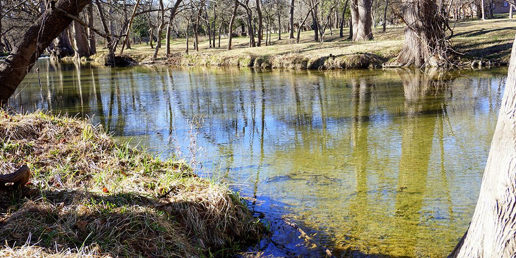 On the Creek, Sleeps 10, Close to Town - Perfect Wimberley Escape