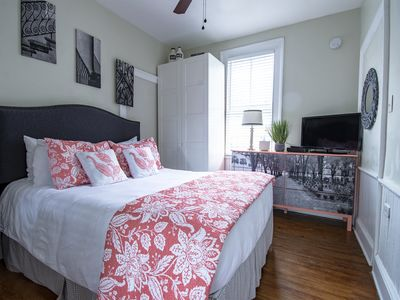 Photo for Beautiful 1 Bedroom with Large Kitchen in Downtown