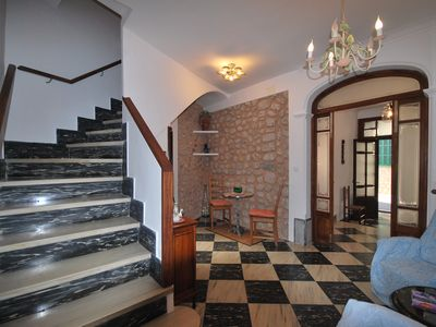 Photo for Lovely typical townhouse with terrace, WIFI, A/C, walking distance to the center