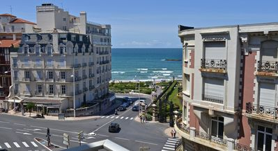 Photo for BIARRITZ plage - F3 4/5 beds 4 balconies PRIVATE PARKING all shops 100m