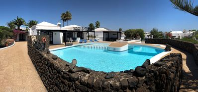 Photo for Luxury villa in Playa Blanca with fantastic pool, great location with sea views