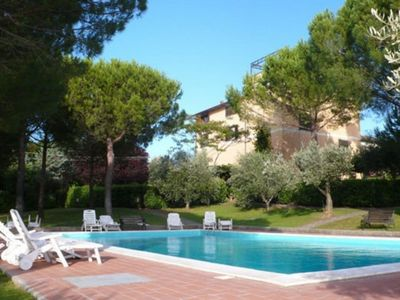 Photo for Apartment in residence with swimming pool, 10 minutes by car from Cecina