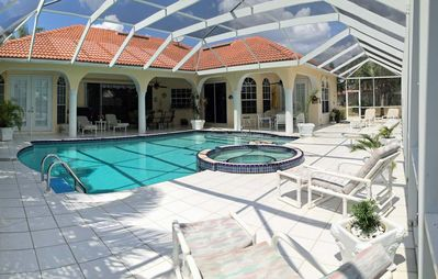 Photo for Tropical Bay - Huge Pool Area with Spa Southern Exposure in Four Mile Cove
