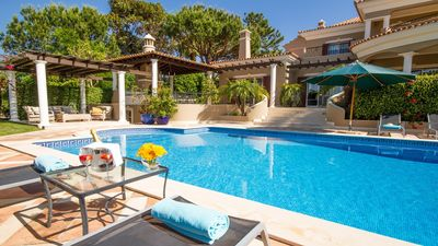 Photo for 6 bedroom Villa, sleeps 12 in Ludo with Pool, Air Con and WiFi