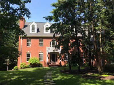 Gorgeous Colonial Home!  Great for large family gatherings! Sleeps 25+