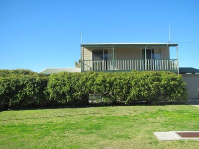 Photo for Cockatoo - perfect location near dunes and beaches
