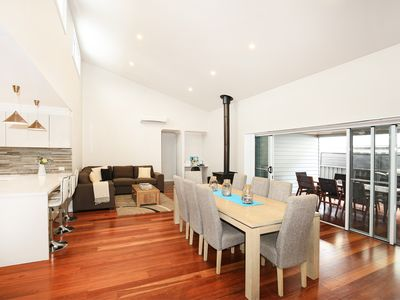 Photo for The Sands - Pet Friendly - 3 Min Walk to Beach