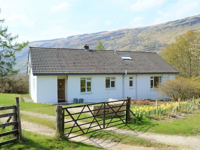 Photo for Quiet location with stunning views, sleeps 8, pet friendly, free Wi-Fi