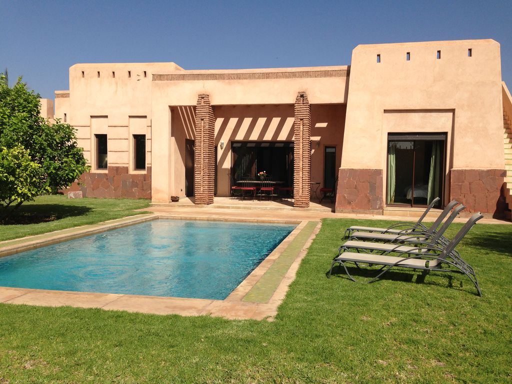 Marrakech Villa Rental   Back Of Villa With Private Pool And Garden