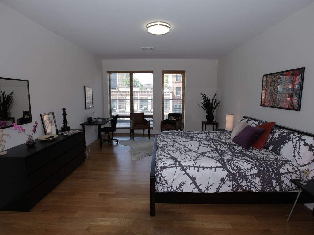 Modern bright 2 bedroom apartment in clinton hill brooklyn brooklyn new york city new york for Two bedroom apartments in brooklyn ny