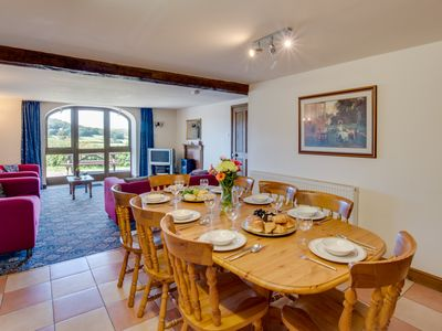 Photo for Dove Cote - Four Bedroom House, Sleeps 8