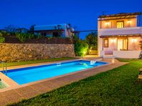 A lovely villa with a beautiful outdoor space close to beautiful beaches and the town of Plakias