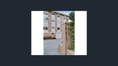 Photo for Stanley St, North Adelaide  3 bedroom Apartment