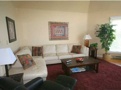 Photo for 5BR/4.5BA Townhouse - Central Wtg Location! Great Valley View!