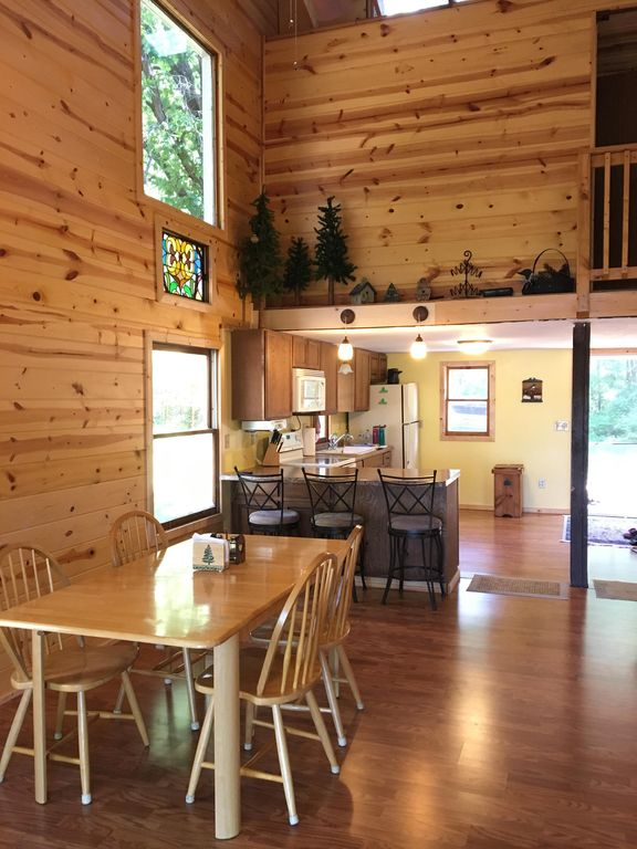 Property Image#3 Vacation At This Charming CrossLake Cabin On The Whitefish  Chain.