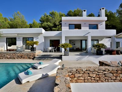 Photo for Las Palomas - luxury 4 bedrooms serviced villa - Travel Keys
