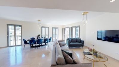 ★MAMILLA RESIDENCES ★PERFECT Service &Location★NEW