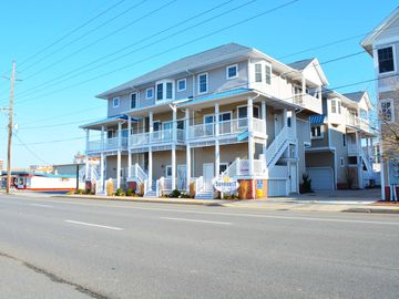 Just Steps to the Beach, This Luxury 3 Bedroom Townhouse is Near the Boardwalk and Has Free WiFi and Coastal Decor!