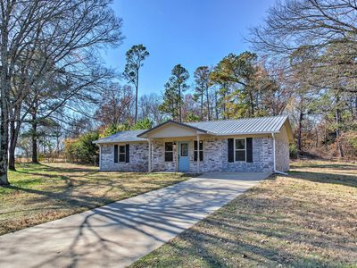 Photo for NEW-Peaceful Home w/Yard-15 Mi to Broken Bow Lake!