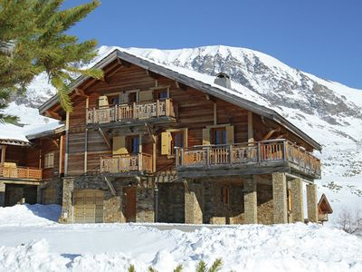 Photo for Traditional Chalet on the ski slopes of the modern Alpes d'Huez