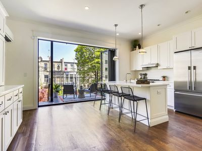 Photo for Stayloom's Luxe, Charming Brownstone | near A/C