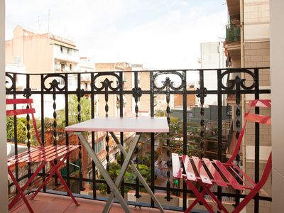 Photo for Traditional flat in Poble Sec, near ramblas