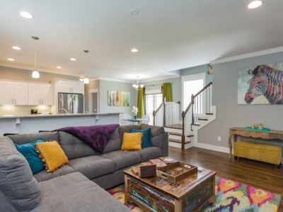 Photo for Colorful & Cozy 3bd Cottage