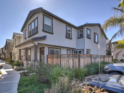 Large luxurious private home close to Facebook Google Stanford