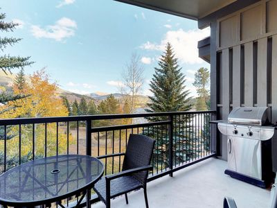 Photo for Condo w/private balcony & lake view plus indoor hot tubs & pool