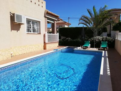 Photo for Air-conditioned villa with private pool and wifi for 5 to 6 people