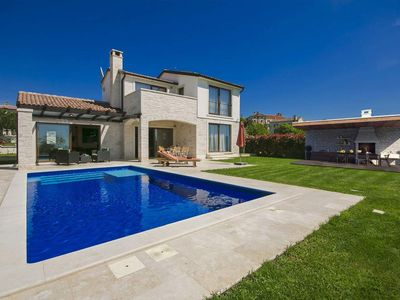 Photo for Villa in Istria with pool, panoramic sea view, badminton
