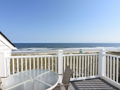 Photo for Cyn's Delight – Chill out and unwind at this comfortable oceanfront condo