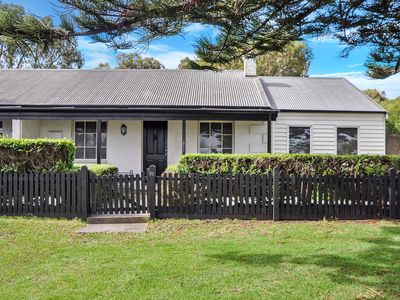 Photo for Charming Port Fairy Whaler's Cottage - central location
