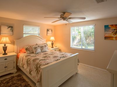 Photo for Sarasota Home in the Gulf gate neighborhood 5 minutes from the beach