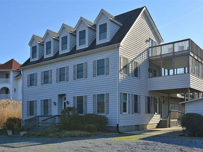 Photo for LINENS & DAILY ACTIVITIES INCLUDED*!. PRIVATE BEACH/ COMMUNITY POOL/ SLEEPS 18
