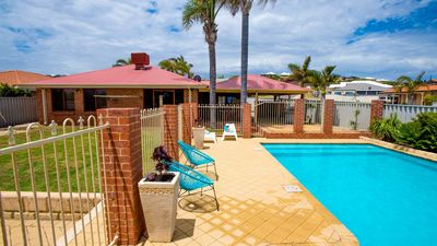 Photo for Seaview by the Pool - Relax in Geraldton
