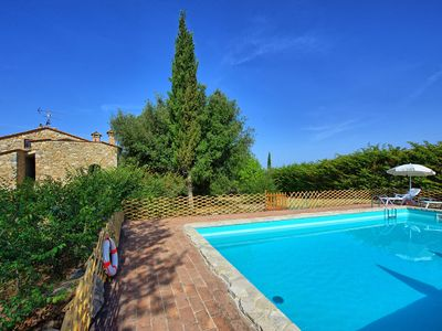 Photo for Beautiful private villa with WIFI, private pool, TV, panoramic view, parking, close to San Gimignano