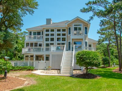 Photo for Signature Series 5 Bedroom Beaut with Clubhouse, Pool and Tennis Access