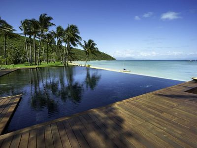 Photo for Immaculate coastline Orpheus Island