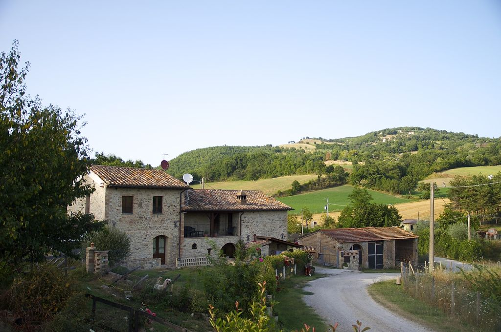 Farmhouse in Umbria Close to famous historical towns  home-style cooking -  Montone